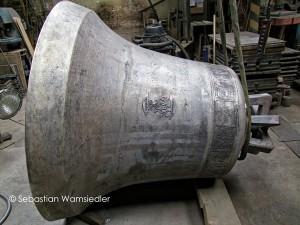 Neue Glocke in einer Gießerei mit 2,5t Gewicht