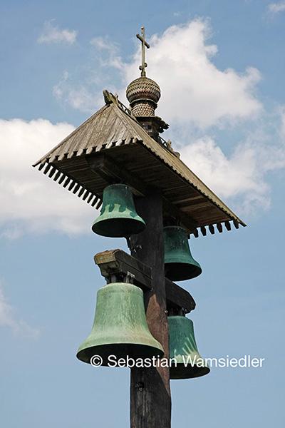 Glockenträger mit den vier größten Mindener Domglocken in Gifhorn